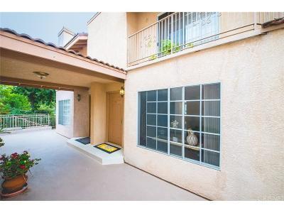 Northridge Condo/Townhouse For Sale: 8744 Darby Avenue #5
