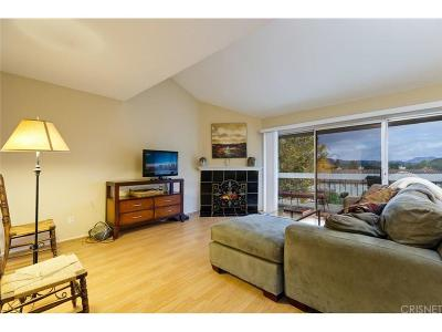 Thousand Oaks Condo/Townhouse For Sale: 725 Warwick Avenue