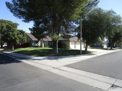 Palmdale Single Family Home For Sale: 3707 East Avenue R12