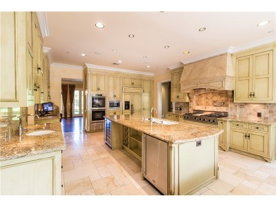 Tarzana Single Family Home For Sale: 4734 Viviana Drive