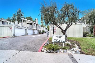 Woodland Hills Condo/Townhouse For Sale: 22121 Burbank Boulevard #3
