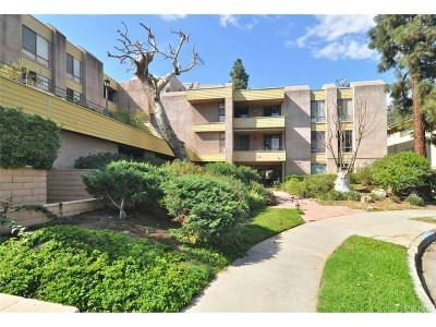 Los Angeles County Condo/Townhouse For Sale: 16866 Kingsbury Street #115