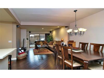 Woodland Hills Condo/Townhouse For Sale: 6275 Canoga Avenue #63