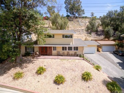 Woodland Hills Single Family Home For Sale: 23407 Oxnard Street