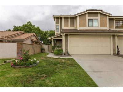 Valencia Single Family Home For Sale: 25989 Pueblo Drive