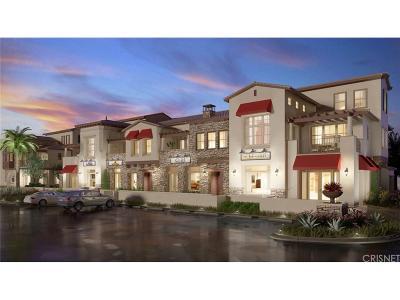 Camarillo Condo/Townhouse For Sale: 202 Village Commons Boulevard #27
