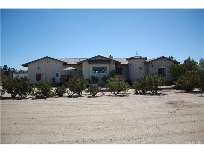 Rosamond Single Family Home For Sale: 7472 Cypress Avenue