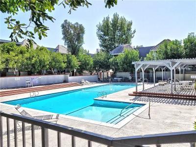 Chatsworth Condo/Townhouse For Sale: 10201 Mason Avenue #127