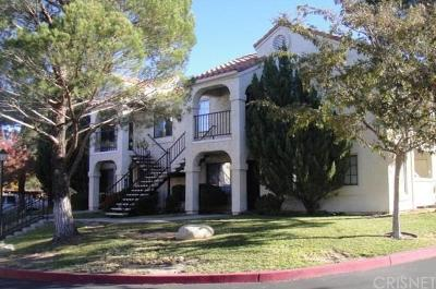 Palmdale Condo/Townhouse For Sale: 2554 Olive Drive #146