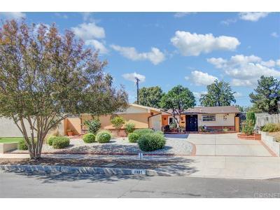 Northridge Single Family Home For Sale: 8801 Quakertown Avenue