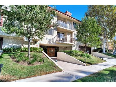 Chatsworth Condo/Townhouse For Sale: 9960 Owensmouth Avenue #36