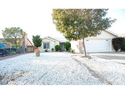 Rosamond Single Family Home For Sale: 1048 Oakwood Lane