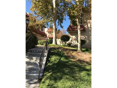 Canyon Country Condo/Townhouse For Sale: 27653 Ironstone Drive #3