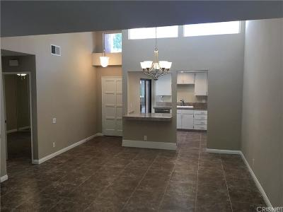 Palm Desert Condo/Townhouse For Sale: 72540 Rolling Knolls Drive