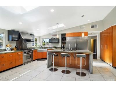 Woodland Hills Single Family Home For Sale: 22441 Miranda Street