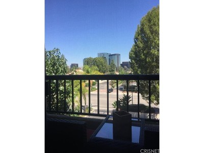 Woodland Hills Condo/Townhouse For Sale: 21500 Burbank Boulevard #328