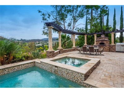 Calabasas Single Family Home For Sale: 4422 Alta Tupelo Drive