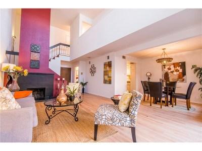 Tarzana Condo/Townhouse For Sale: 18620 Hatteras Street #232