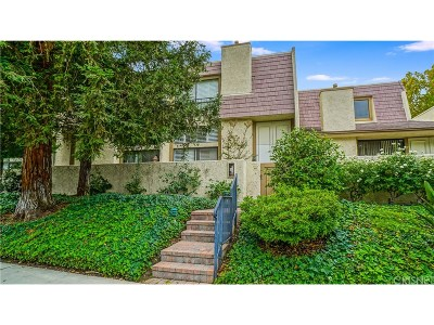 Woodland Hills Condo/Townhouse For Sale: 6145 Shoup Avenue #60