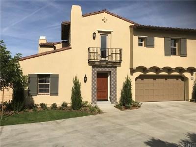 Thousand Oaks Single Family Home For Sale: 130 Mayflower St