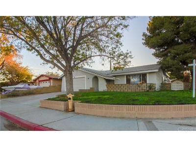 Palmdale Single Family Home For Sale: 37653 28th Street East
