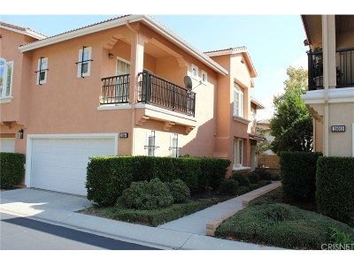 Valencia Condo/Townhouse For Sale: 28064 Dickason Drive