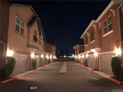 Simi Valley Condo/Townhouse For Sale: 1642 Heywood #A