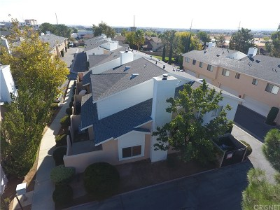 Palmdale Condo/Townhouse For Sale: 1107 Beechdale Drive #D