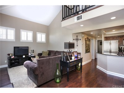 Canyon Country Condo/Townhouse For Sale: 27019 Karns Court #1301