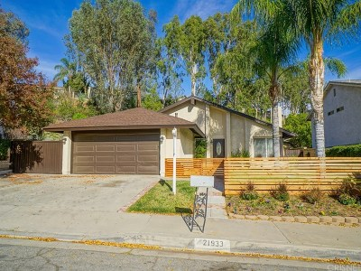 Saugus Single Family Home For Sale: 21933 Scallion Drive