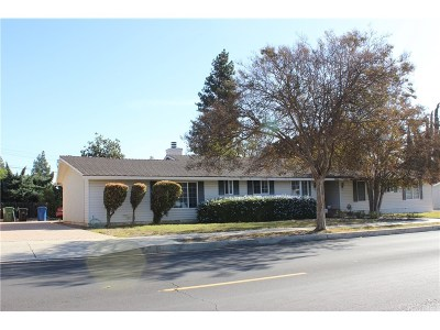 Northridge Single Family Home For Sale: 9922 Vanalden Avenue