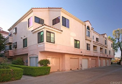 Canyon Country Condo/Townhouse For Sale: 18007 Flynn Drive #528