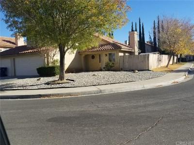 Lancaster Single Family Home For Sale: 43730 Rodin Avenue
