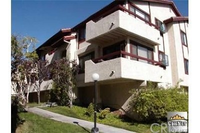 Canyon Country Condo/Townhouse For Sale: 18126 Sundowner Way #1152