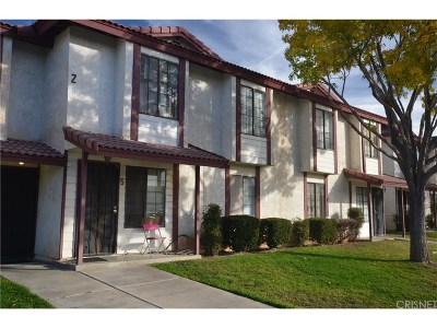 Palmdale Condo/Townhouse For Sale: 38550 22nd Street East #5