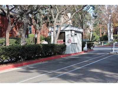 Los Angeles County Condo/Townhouse For Sale: 4713 Maytime Lane
