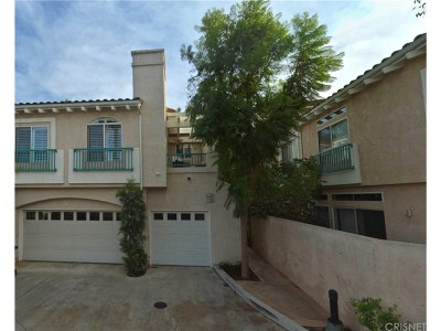 Moorpark Condo/Townhouse For Sale: 11723 Villageview Court