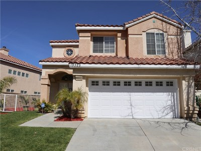Newhall Single Family Home For Sale: 19325 Santa Maria Drive