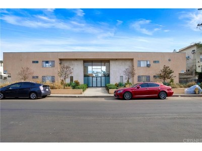 Valley Village Condo/Townhouse For Sale: 5232 Corteen Place #28