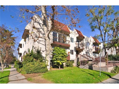Studio City Condo/Townhouse For Sale: 12157 Moorpark Street #201