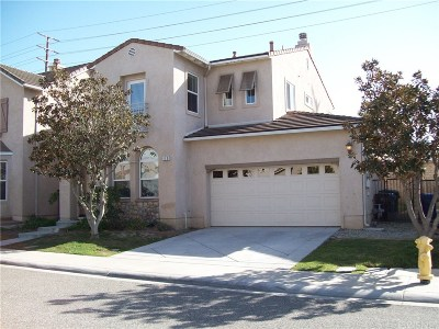 Moorpark Single Family Home For Sale: 110 Moonsong Court