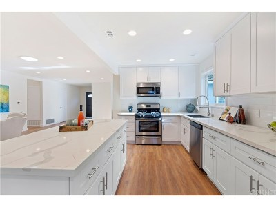 Agoura Hills Single Family Home For Sale: 6087 Lake Nadine Place