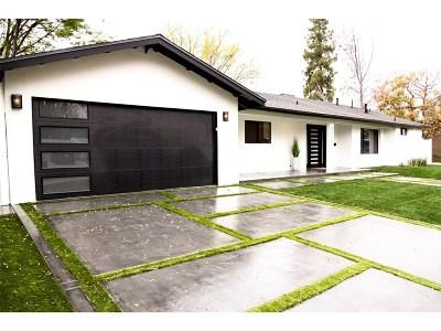 Woodland Hills Single Family Home For Sale: 4755 Degovia Avenue