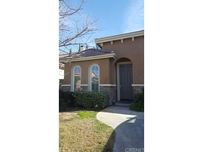 Saugus Single Family Home For Sale: 28230 Maitland Lane