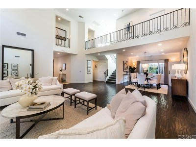 Valley Village Single Family Home For Sale: 12008 Hesby Street