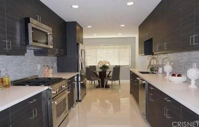 Encino Condo/Townhouse For Sale: 5315 Yarmouth Avenue #218