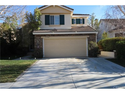 Canyon Country Single Family Home For Sale: 17906 Oriole Court