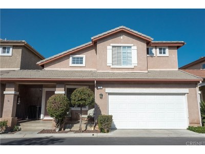 Simi Valley Condo/Townhouse For Sale: 385 Owls Cove Lane