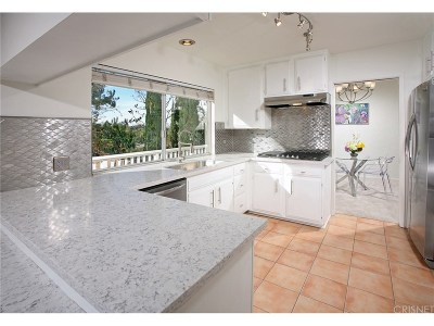 Calabasas Single Family Home For Sale: 4109 Mourning Dove Way