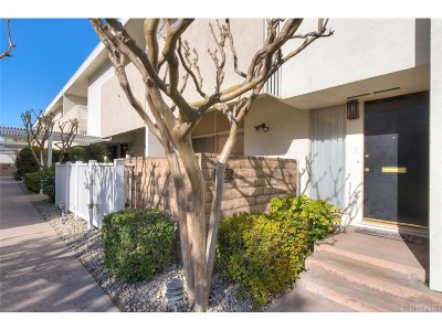 Burbank Condo/Townhouse For Sale: 4375 West Sarah Street